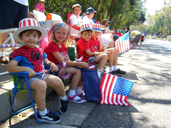 4th of parade july kids pictures